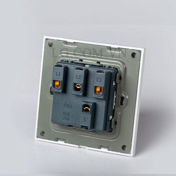 Công tắc điện ba mặt vuông nhựa trắng LG tech